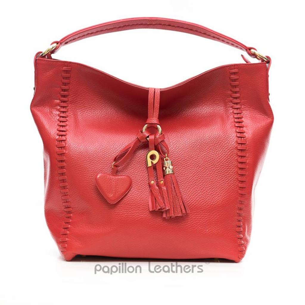 Kesan yang tampak saat seseorang menggunakan tas kulit adalah elegan  sekaligus tetap trendi. Itulah sebabnya banyak wanita karier yang memilih  tas kulit ... 6ac61ea36a